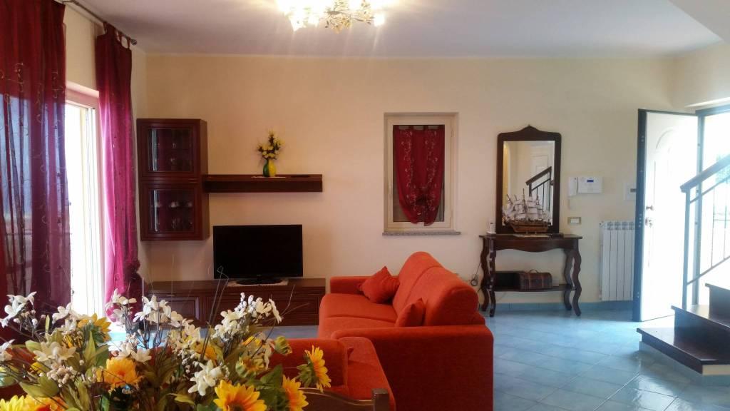 Villa in ottime condizioni arredato in vendita Rif. 4573156