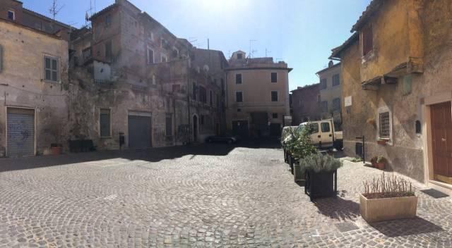 Bilocale Tivoli Piazza Colonna 10