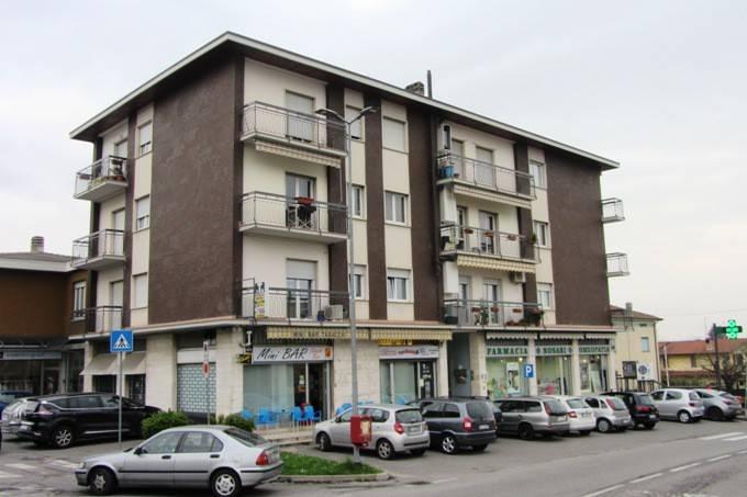 Appartamento in vendita a Almenno San Bartolomeo, 4 locali, prezzo € 75.000 | PortaleAgenzieImmobiliari.it