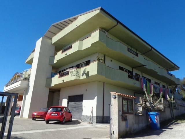 Palazzo-stabile Vendita Stignano