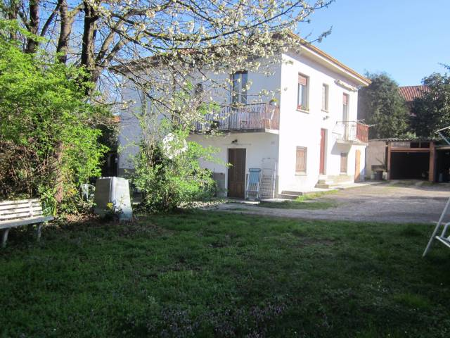 Appartamento in vendita a Malnate, 3 locali, prezzo € 139.000 | Cambio Casa.it