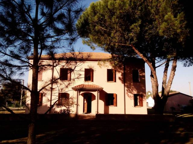 Casa Indipendente in ottime condizioni parzialmente arredato in vendita Rif. 4866574