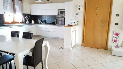 Appartamento in vendita a Settala, 3 locali, prezzo € 145.000   Cambio Casa.it