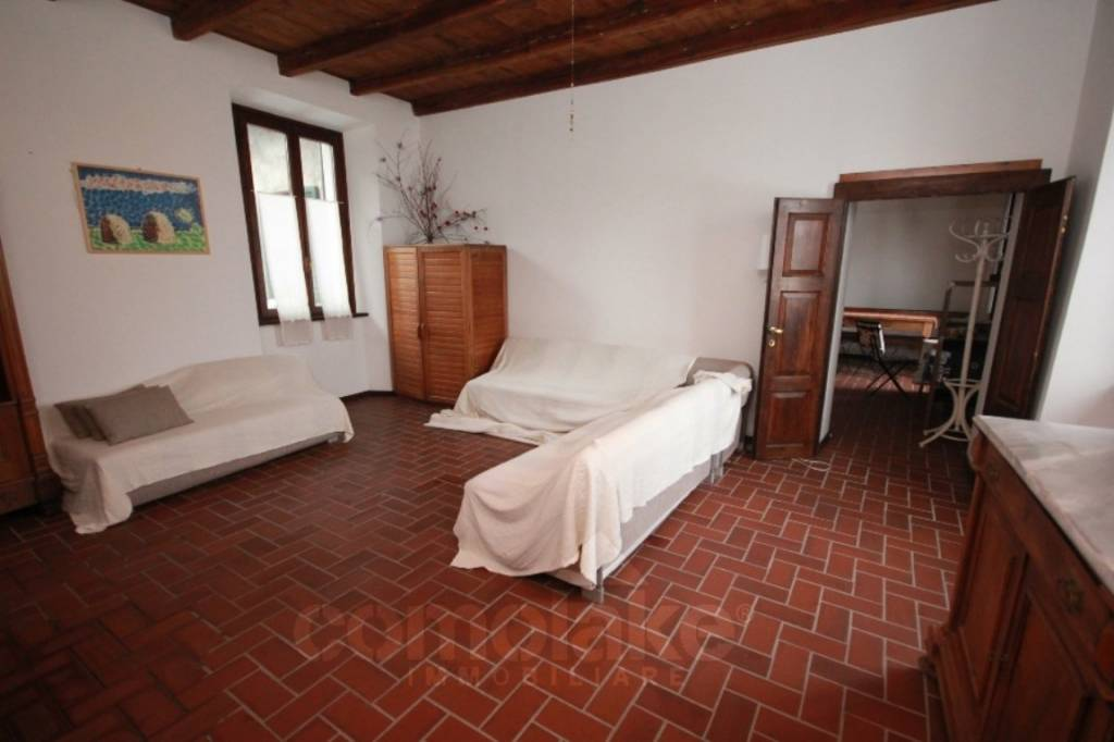 Appartamento in vendita a Gravedona ed Uniti, 5 locali, prezzo € 90.000 | PortaleAgenzieImmobiliari.it