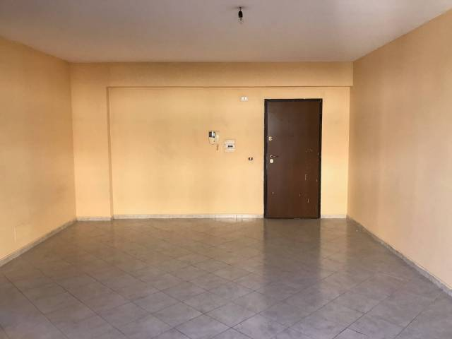 Appartamento in buone condizioni in affitto Rif. 6916257