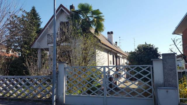 Villa in buone condizioni in vendita Rif. 4891294