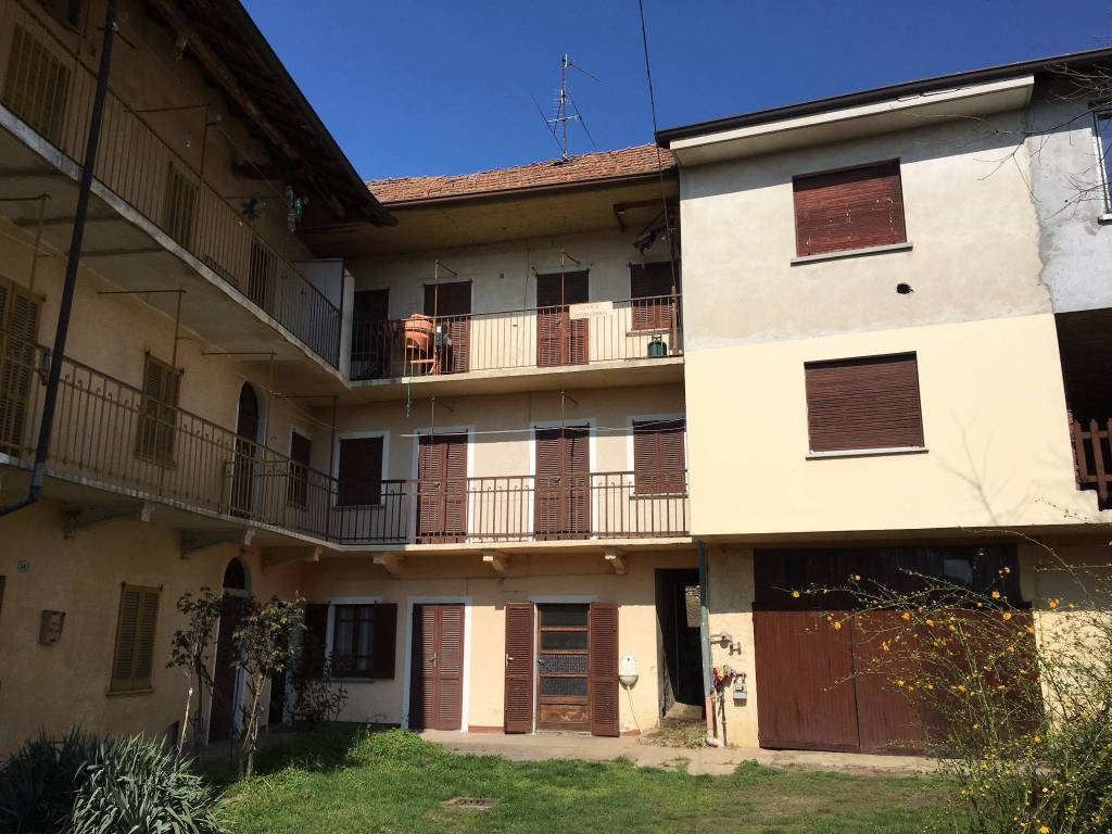 Rustico / Casale in vendita a Borgo Ticino, 4 locali, prezzo € 40.000 | PortaleAgenzieImmobiliari.it