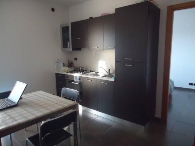 Appartamento in buone condizioni arredato in affitto Rif. 8228982