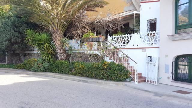 Appartamento in buone condizioni in vendita Rif. 4341744