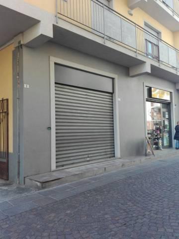 Negozio / Locale in affitto a Pontirolo Nuovo, 1 locali, prezzo € 300 | CambioCasa.it