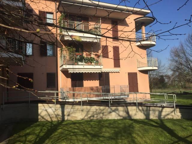 Appartamento in Vendita a Pessano con Bornago