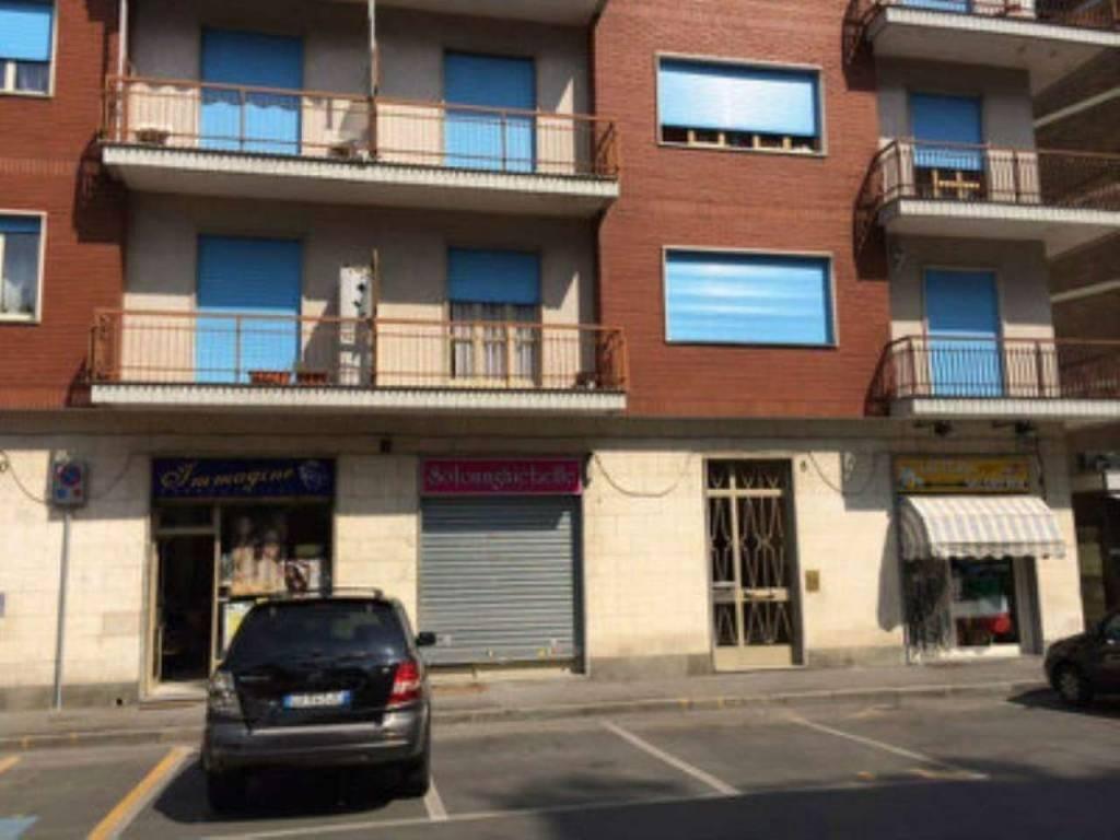 Negozio / Locale in affitto a Rivoli, 2 locali, prezzo € 500 | CambioCasa.it