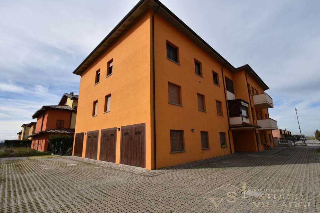 Appartamento in buone condizioni in vendita Rif. 4834015