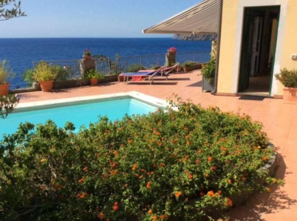 Appartamento in vendita a Moneglia, 6 locali, prezzo € 640.000 | CambioCasa.it