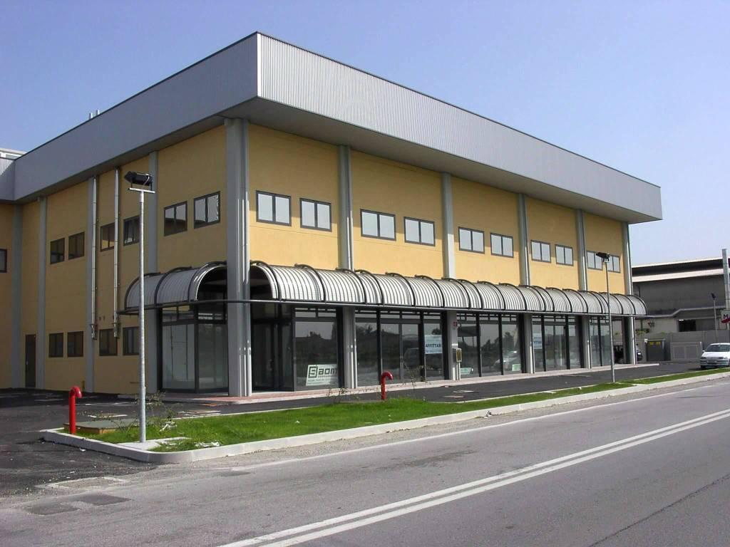 Magazzino in vendita a Marcon, 9999 locali, Trattative riservate | CambioCasa.it