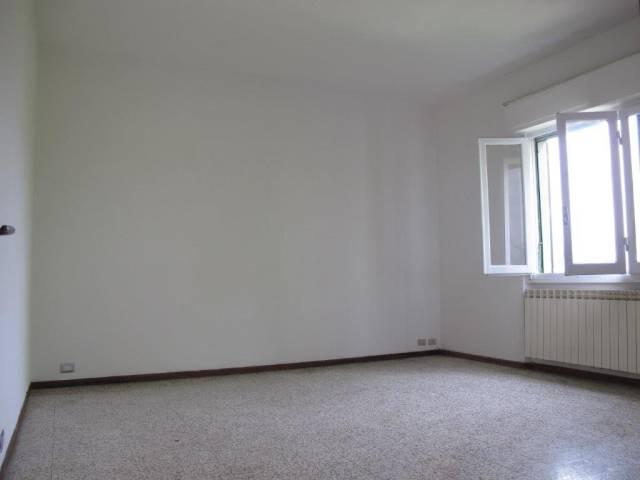 Appartamento in Affitto a Quarrata Periferia: 4 locali, 90 mq