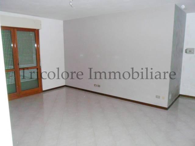 Appartamento in ottime condizioni in vendita Rif. 4972070