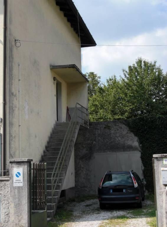 Appartamento in buone condizioni parzialmente arredato in vendita Rif. 5389098