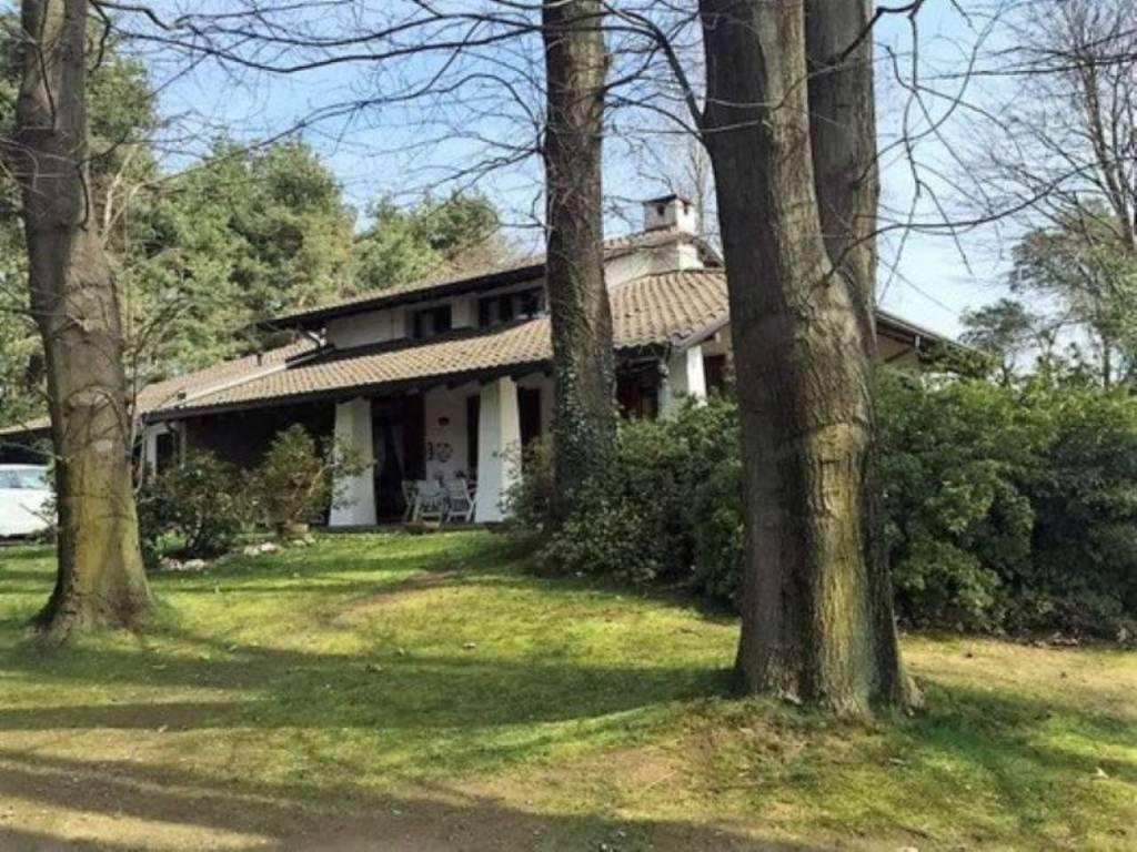 Casa Indipendente in ottime condizioni in vendita Rif. 9317657