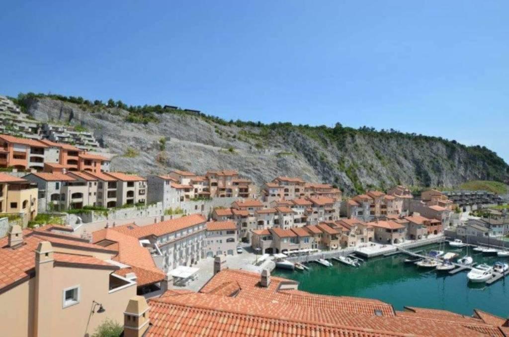 Appartamento in vendita a Duino-Aurisina, 2 locali, prezzo € 390.000   CambioCasa.it