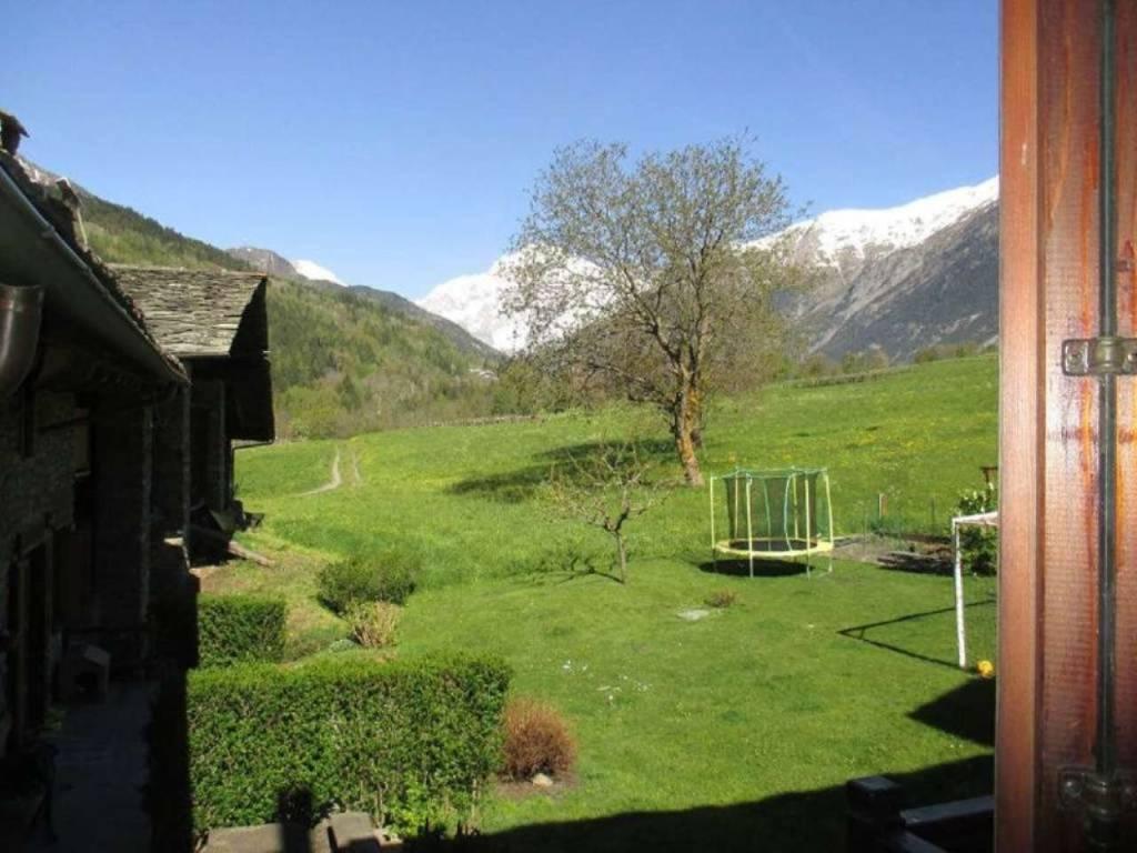 La Salle - Villair: panoramico trilocale 78 mq vista Monte Bianco e Grivola