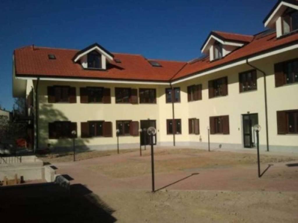 Appartamento in vendita a Chivasso, 6 locali, prezzo € 185.000 | CambioCasa.it