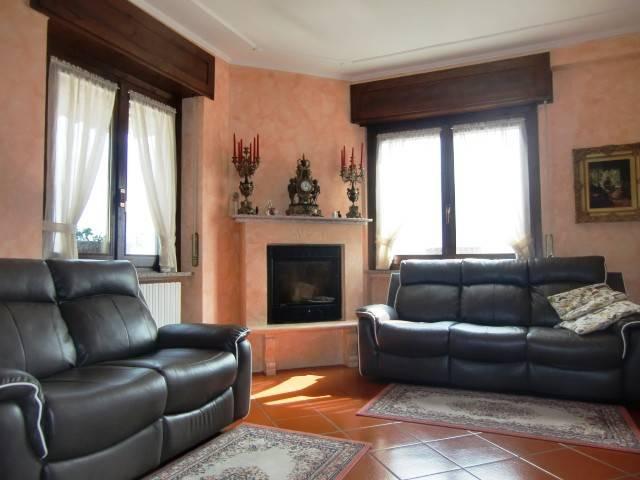Villa in vendita a Valbrona, 11 locali, prezzo € 370.000   PortaleAgenzieImmobiliari.it