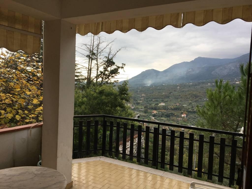 Appartamento in ottime condizioni arredato in vendita Rif. 8551594