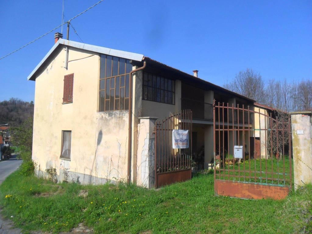 Rustico / Casale in buone condizioni in vendita Rif. 9149663
