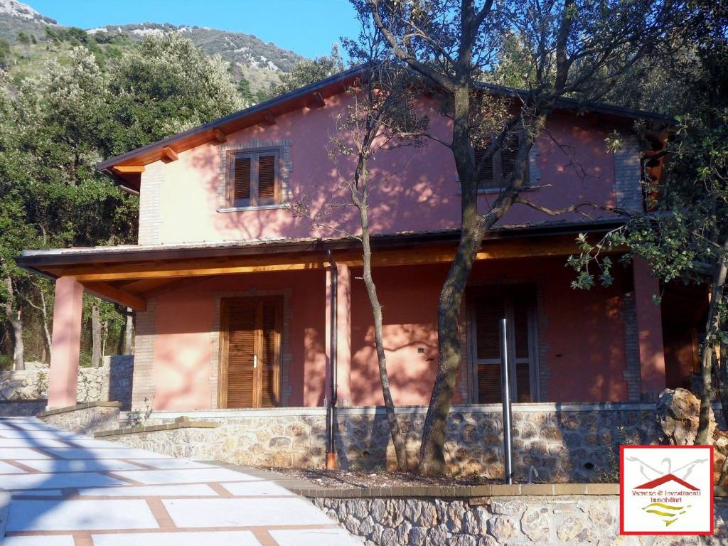 Villa in vendita a Maratea, 4 locali, prezzo € 330.000 | CambioCasa.it