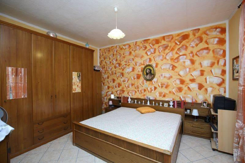 Appartamento in buone condizioni in vendita Rif. 9447397