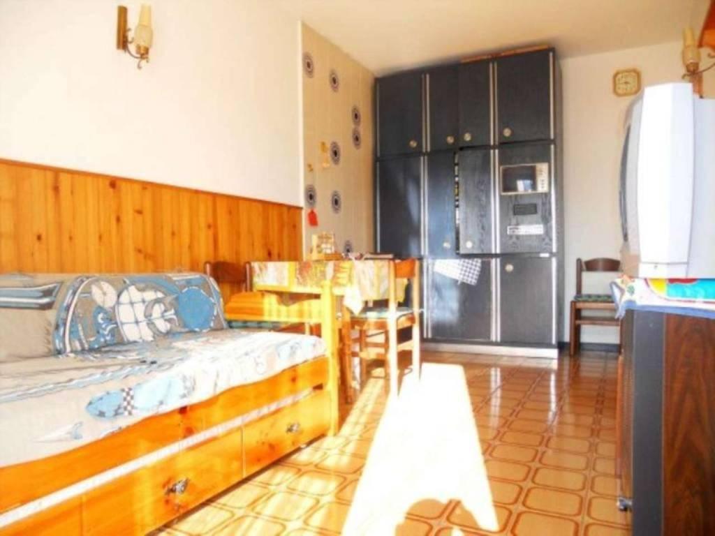 Appartamento in vendita a Moconesi, 3 locali, prezzo € 45.000 | CambioCasa.it