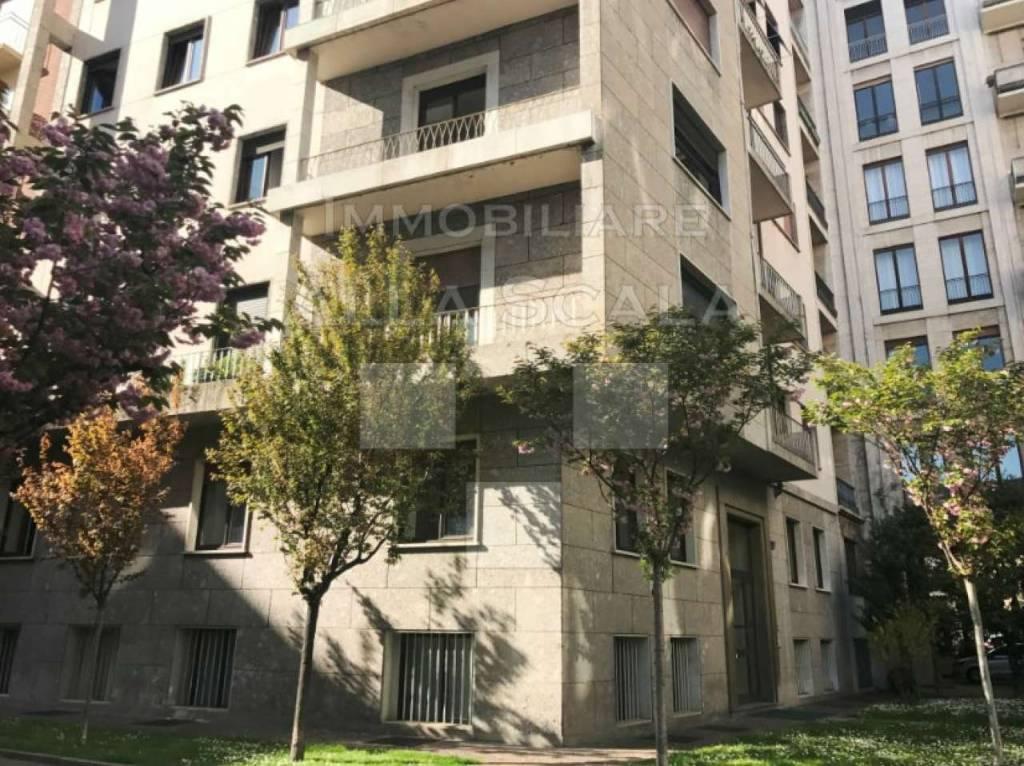 Appartamento in vendita a Milano, 5 locali, prezzo € 1.250.000 | CambioCasa.it