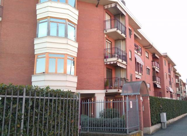 Appartamento in vendita a Venaria Reale, 4 locali, prezzo € 310.000 | CambioCasa.it