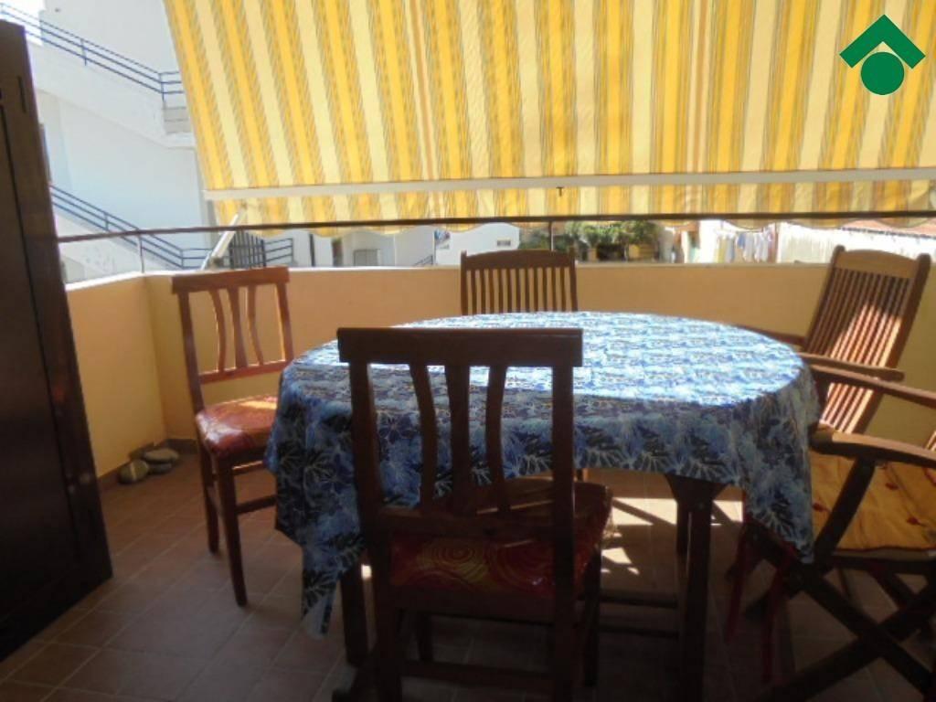 Appartamento in ottime condizioni arredato in vendita Rif. 9138837