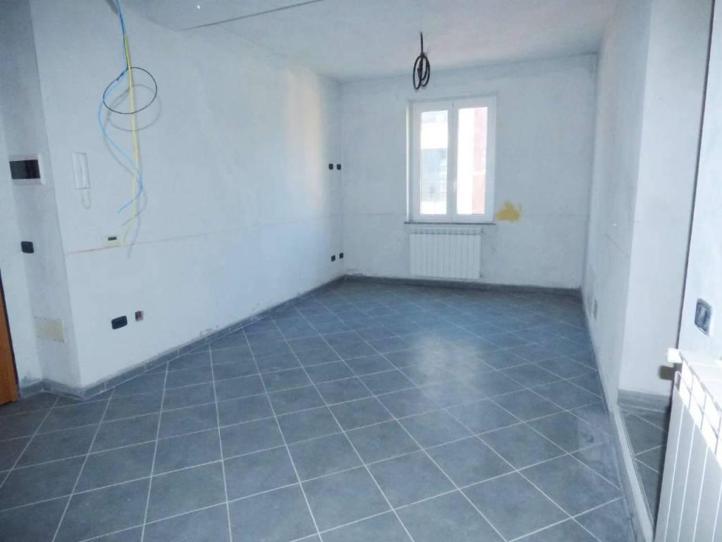 Appartamento in vendita a Uscio, 4 locali, prezzo € 80.000   CambioCasa.it