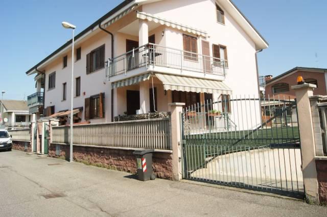Appartamento in vendita a Volpiano, 4 locali, prezzo € 160.000 | CambioCasa.it