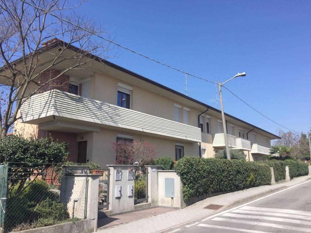 Appartamento in ottime condizioni parzialmente arredato in vendita Rif. 7832246