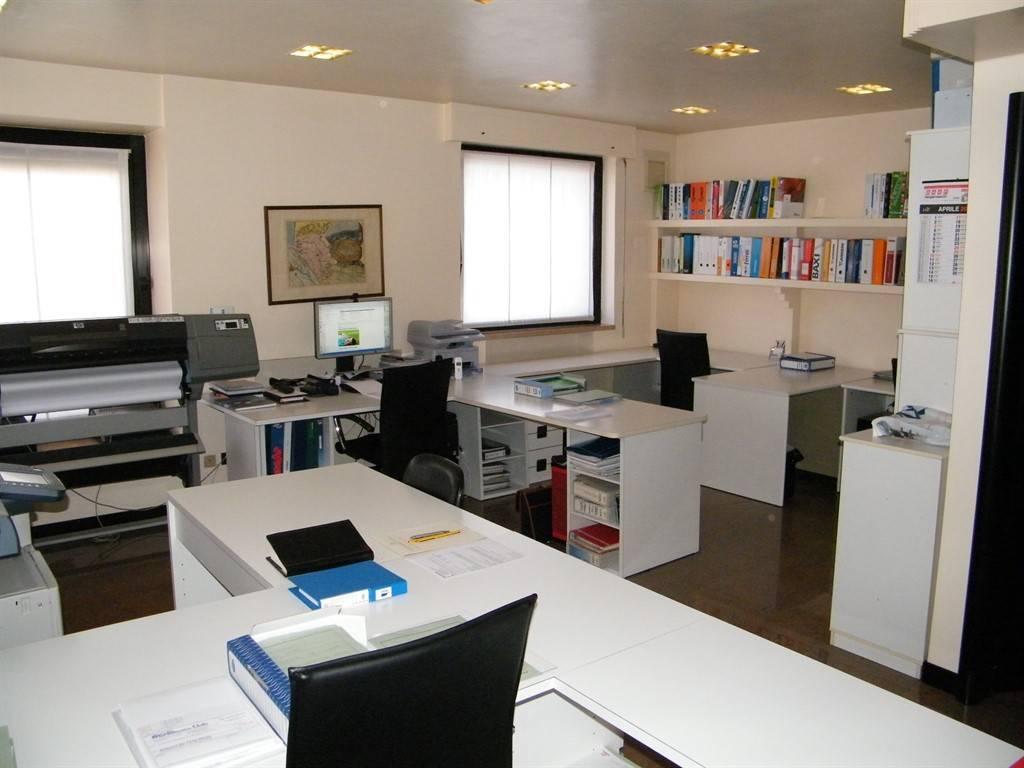 Ufficio trilocale in affitto a Vicenza (VI)