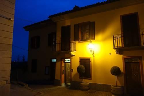 Palazzo / Stabile in vendita a Sommariva Perno, 20 locali, prezzo € 680.000 | PortaleAgenzieImmobiliari.it