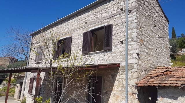 Rustico / Casale da ristrutturare in vendita Rif. 4998259