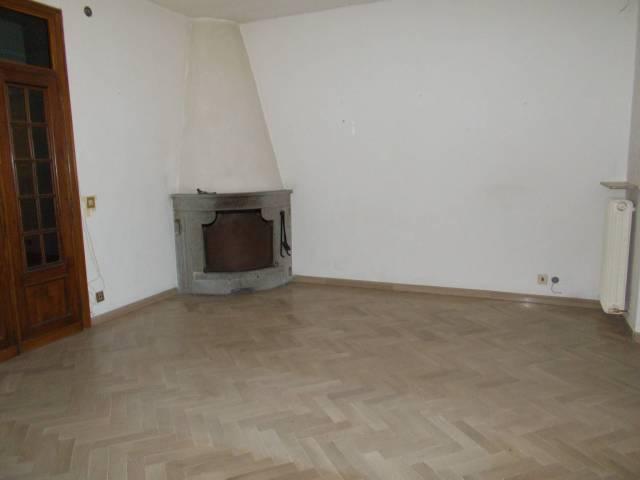 Appartamento zona centrale Tuoro s./T.