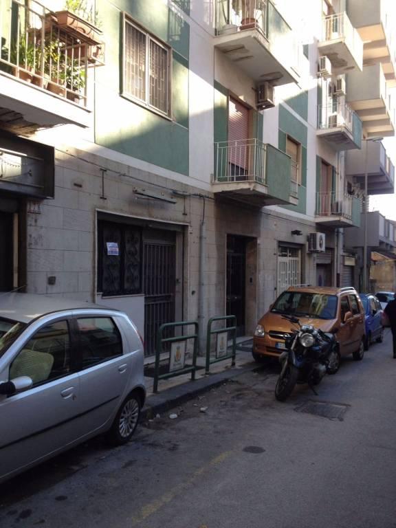 Negozio-locale in Vendita a Messina Centro:  1 locali, 37 mq  - Foto 1