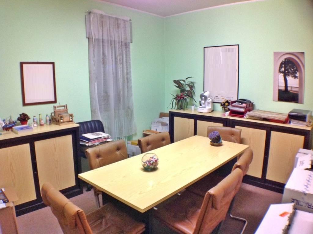 Ufficio / Studio in affitto a Como, 3 locali, zona Borghi, prezzo € 700 | PortaleAgenzieImmobiliari.it