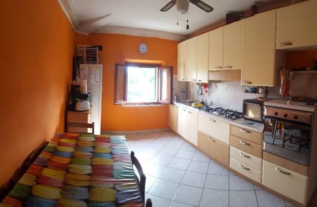 Appartamento in ottime condizioni parzialmente arredato in vendita Rif. 5538087