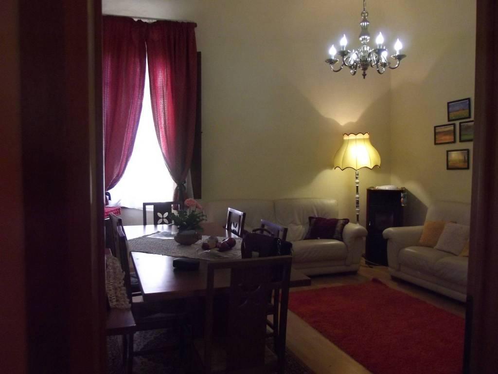 Appartamento in Vendita a Pontedera Semicentro: 5 locali, 95 mq