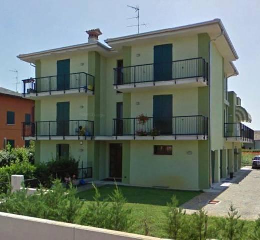Appartamento in buone condizioni parzialmente arredato in vendita Rif. 4235999