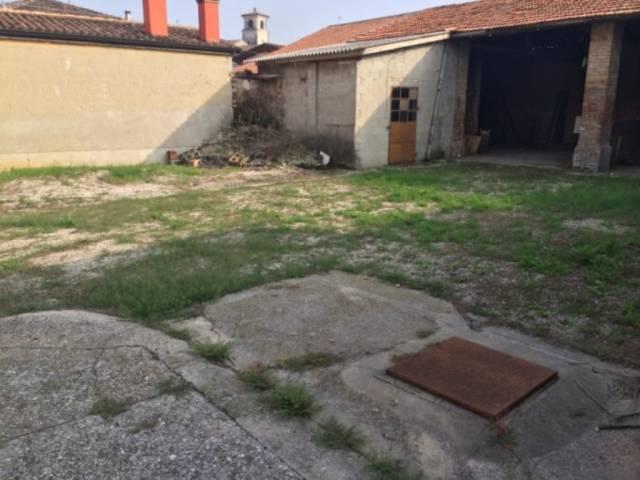 Soluzione Indipendente in vendita a Volta Mantovana, 6 locali, prezzo € 95.000 | Cambio Casa.it
