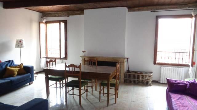Appartamento in ottime condizioni in vendita Rif. 4239277