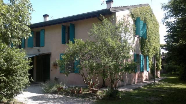Rustico / Casale in vendita a Goito, 6 locali, prezzo € 250.000 | Cambio Casa.it
